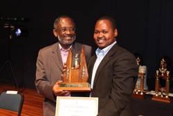 Update: INISA Stipendiat Thulani Fakude ausgezeichnet